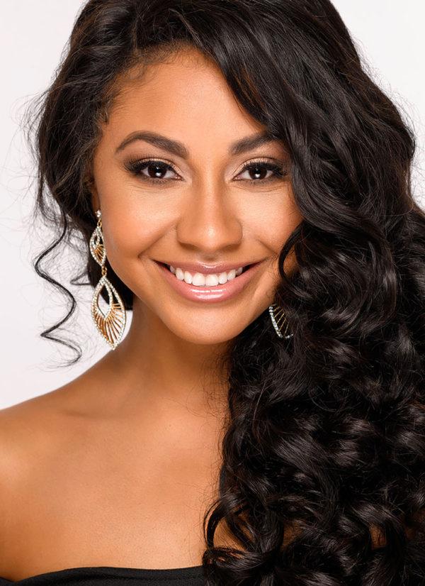 Arianna Pride MISS SAGUARO USA