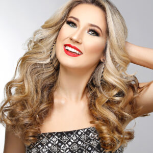 Taylor Andrews MISS FOUNTAIN HILLS TEEN USA