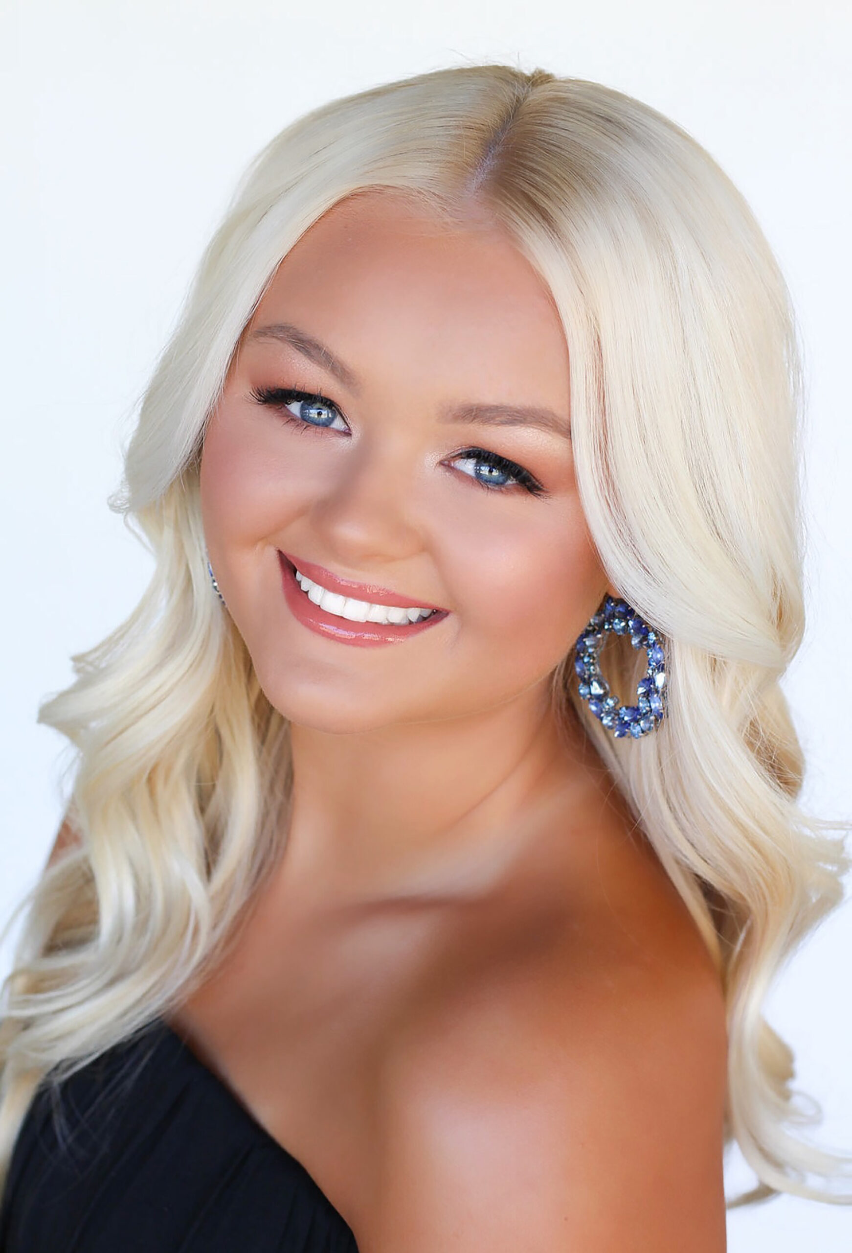 Gracie Carroll MISS MARICOPA COUNTY TEEN USA